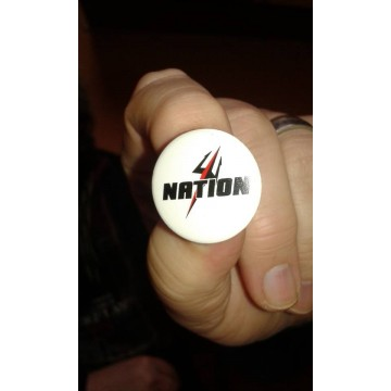 Badge blanc Nation trident